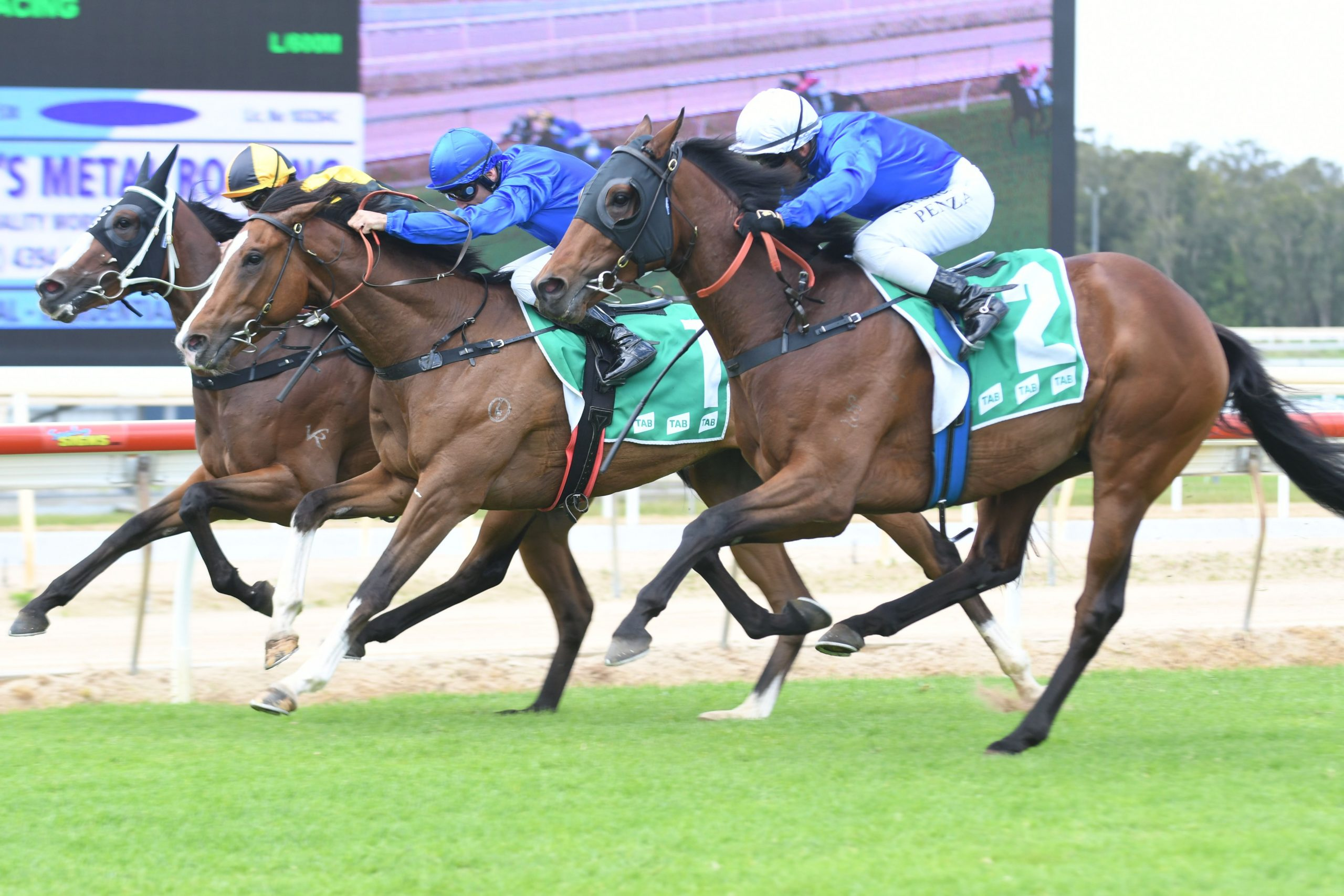 SMITH AND CUMMINGS DOMINATE WYONG 2