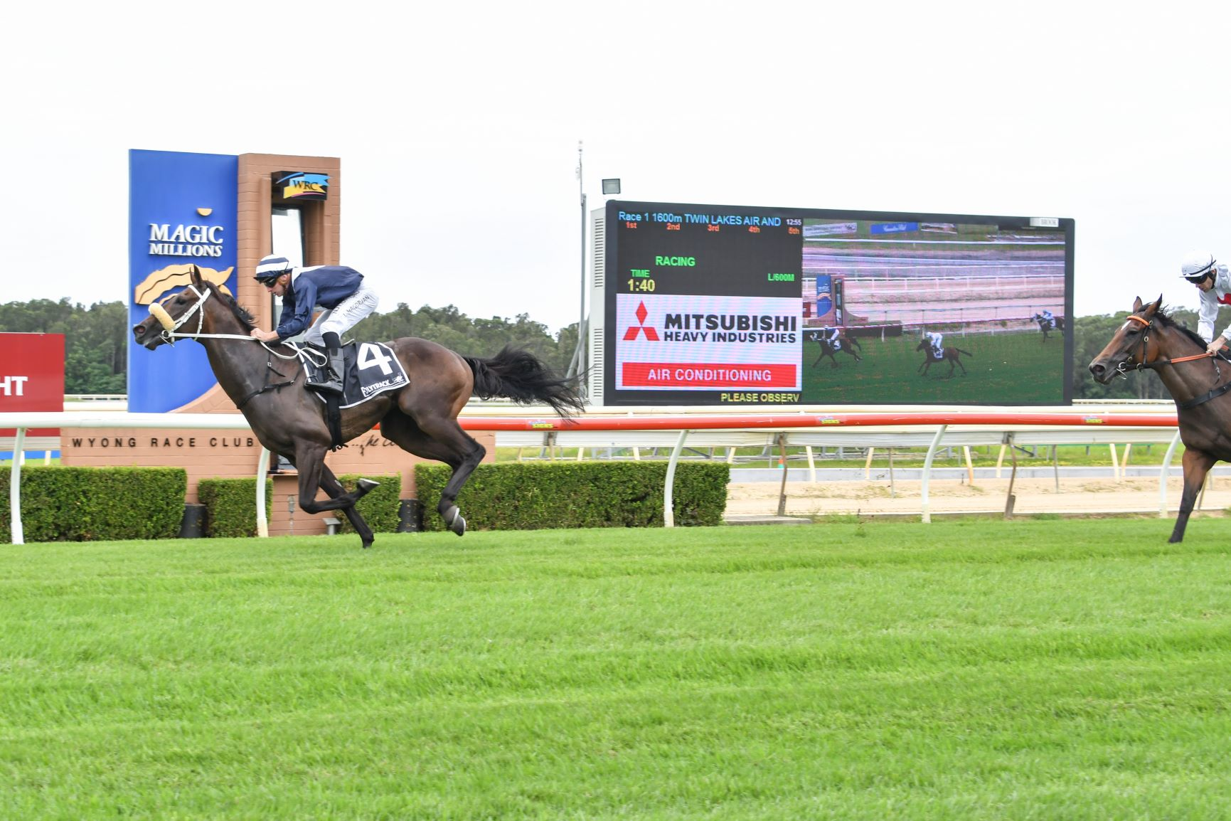 WALLER AND MAGORRIAN DOMINATE AT WYONG AS QUALIFIER POSTPONED 12